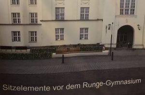 März 2019 geplante Sitzelemente vor Runge-Gymnasium SPD Oranienburg