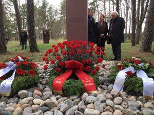 März 2019 Stele Sozialdemokraten Gedenkstätte Kränze SPD Oranienburg