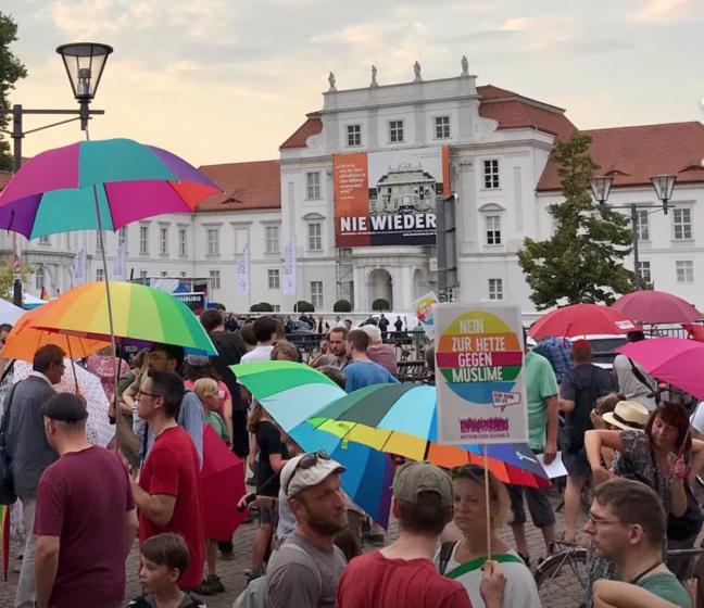 August 2019 Demo Toleranz Schloss SPD Oranienburg
